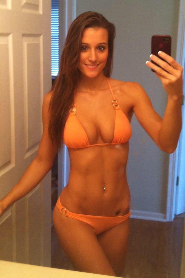 Roderick recommends Barefoot bikini models